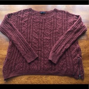 Maroon American Eagle sweater with zippers